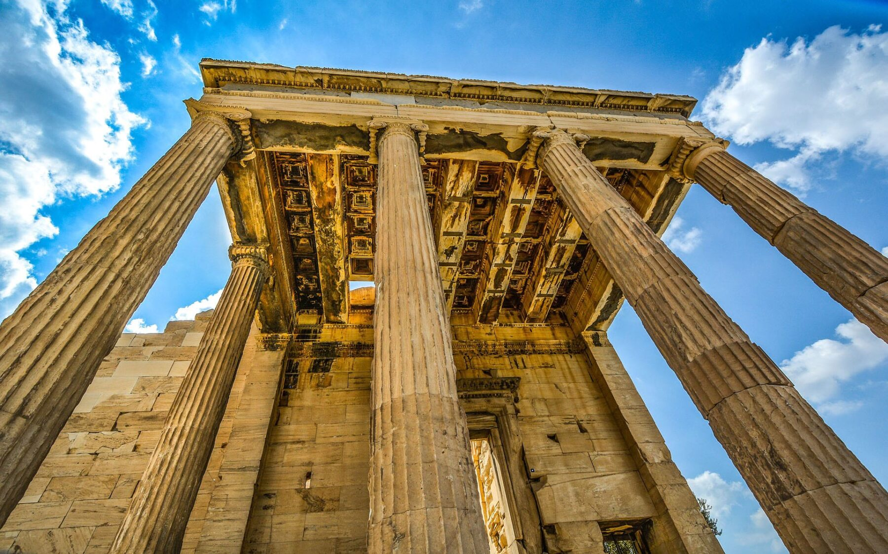 a history of athens in greece The city of athens, greece, with its famous acropolis, has come to symbolize the whole of the country in the popular imagination, and not without cause.